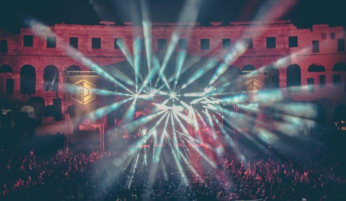 Massive Attack otvaraju Dimensions!